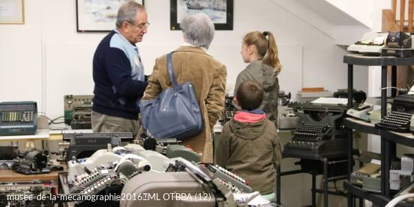 Visit of the machines' museum